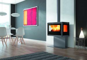 RA-85 PLUS model nudi najbolji način uživanja u vatri zahvaljujući dovoljnom pogledu na plamen kroz 3 prozora. Ovaj model tipa ložišta odlično pojednostavljuje instalaciju kroz izbjegavanje zidarskih radova. 360m3/h ventilacija pomoću 2 ventilatora s 2 brzine i sigurnosnim termostatom. 75% efikasnosti.